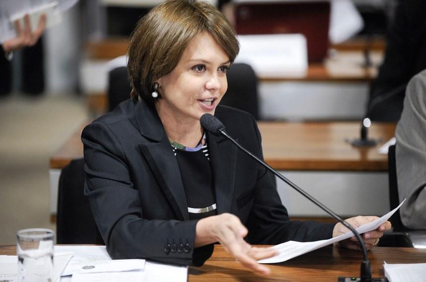 A senadora Ângela Portela relata o projeto na Comissão dos Direitos Humanos